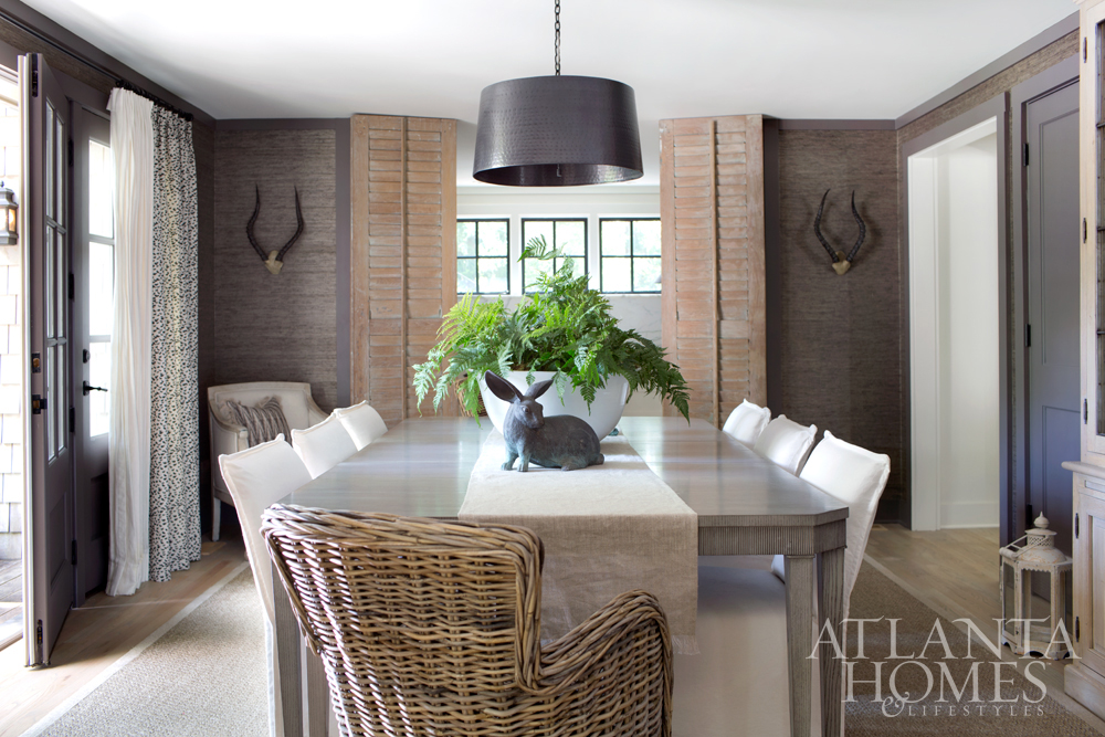 Exceptional Bungalow Classic Proprietors Courtney And Randy Tilinski May Have Filled  Their Memorial Park Cottage With Mostly Creamy Rooms, But The Dining Room  Is An ...